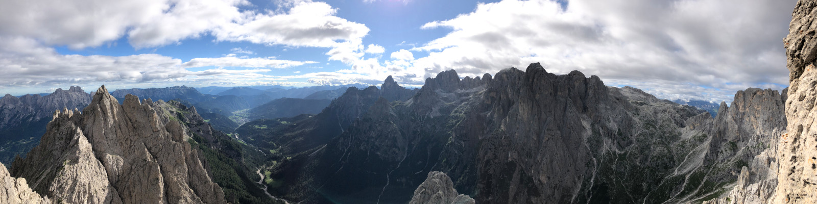 We celebrate the farewell to the Dolomites and Italy
