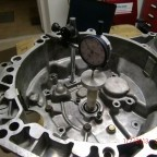 Gearbox reconditioning: measuring bearing clearance